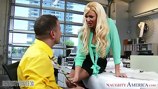 Luxuriant breasted secretary Summer Brielle Taylor gets laid n the meeting