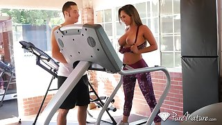 Game milf Reena Sky gets intimate with her handsome fitness instructor