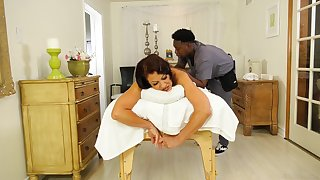 Dirty mature wife Vanessa Videl cheats on their way shush with a black dude