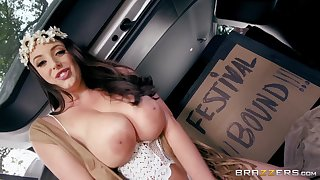 Angela White makes love with happy chatelaine unserviceable