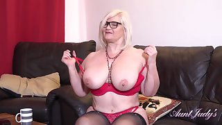 Seducing Auntie Lacey Point Of View